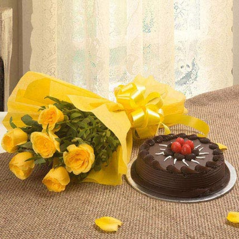 Chocolate Cake With 6 Yellow Roses