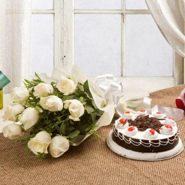 White Roses With Cake