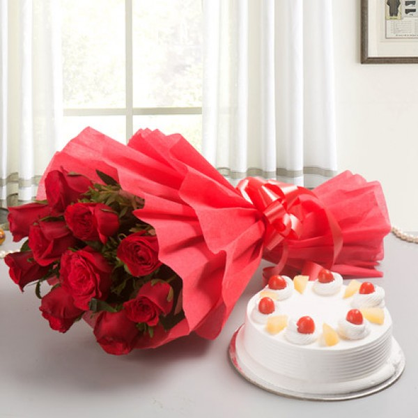 Pineapple Cake With Red Roses