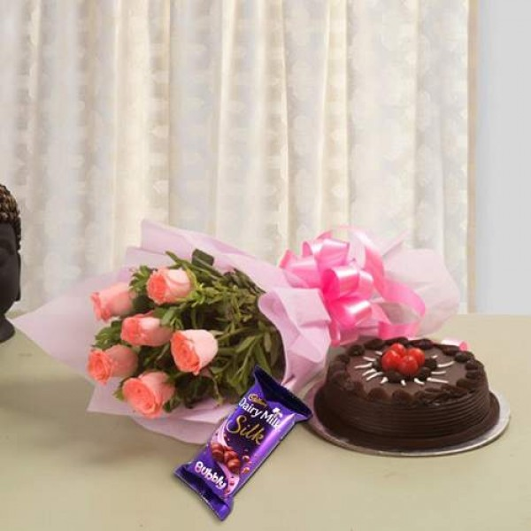 Chocolate Cake With 6 Pink Roses And Chocolate