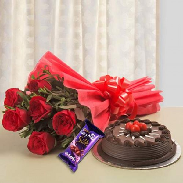 Chocolate Cake With 6 Red Roses And Chocolate