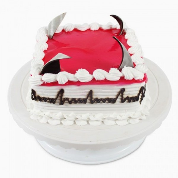 Square Fresh Cream Strawberry Cake